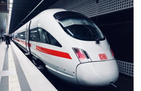https://www.greybee.de/wp-content/uploads/2019/04/greybee-deutschebahn-photo3-ICE-1.png